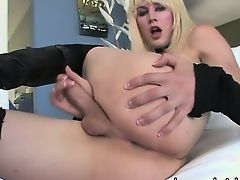 Blonde shemale Bee Armitage masturbates